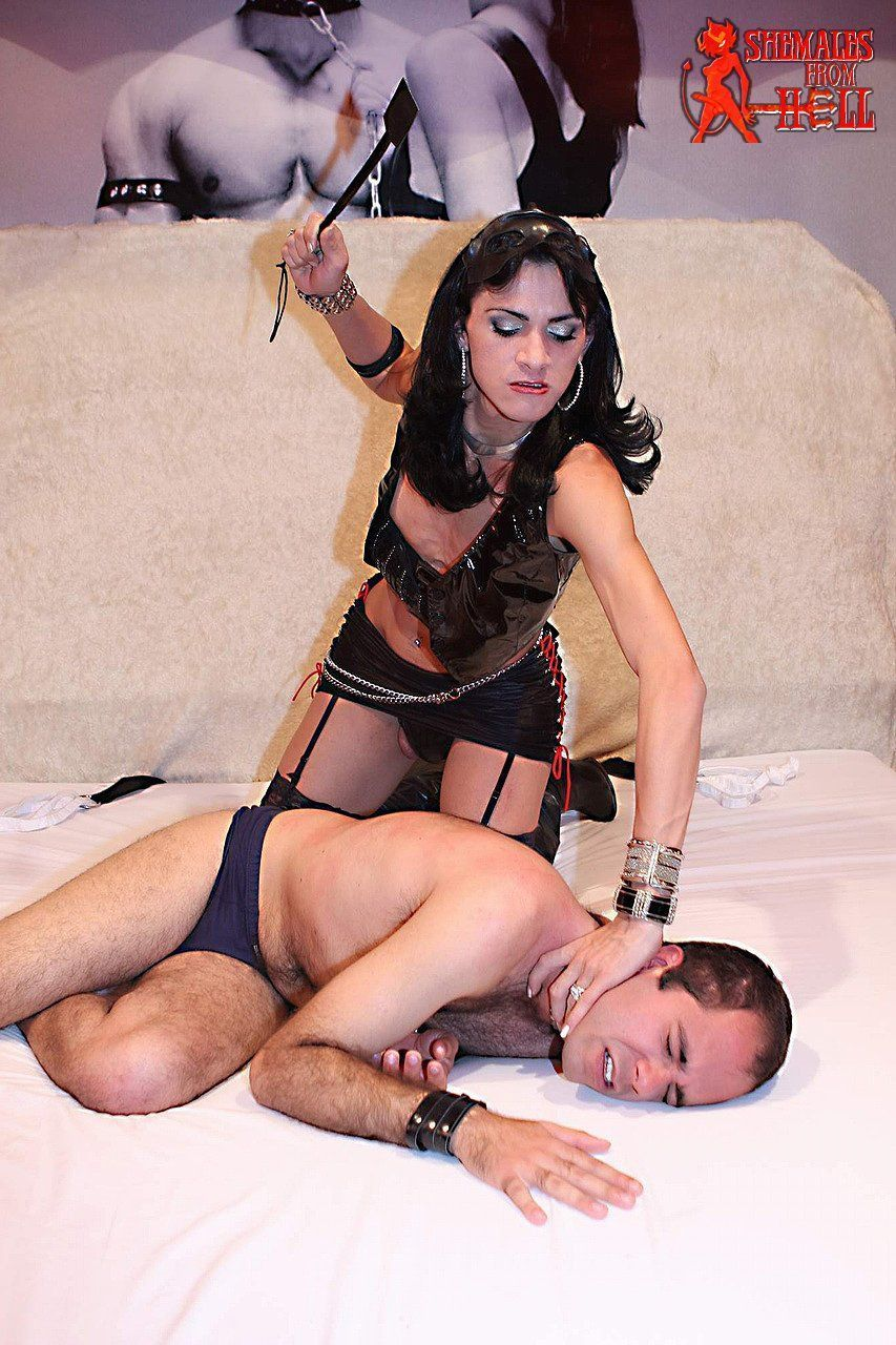 Shemale Mistress Woman - Black shemale mistress wanted . Photos and other amusements ...