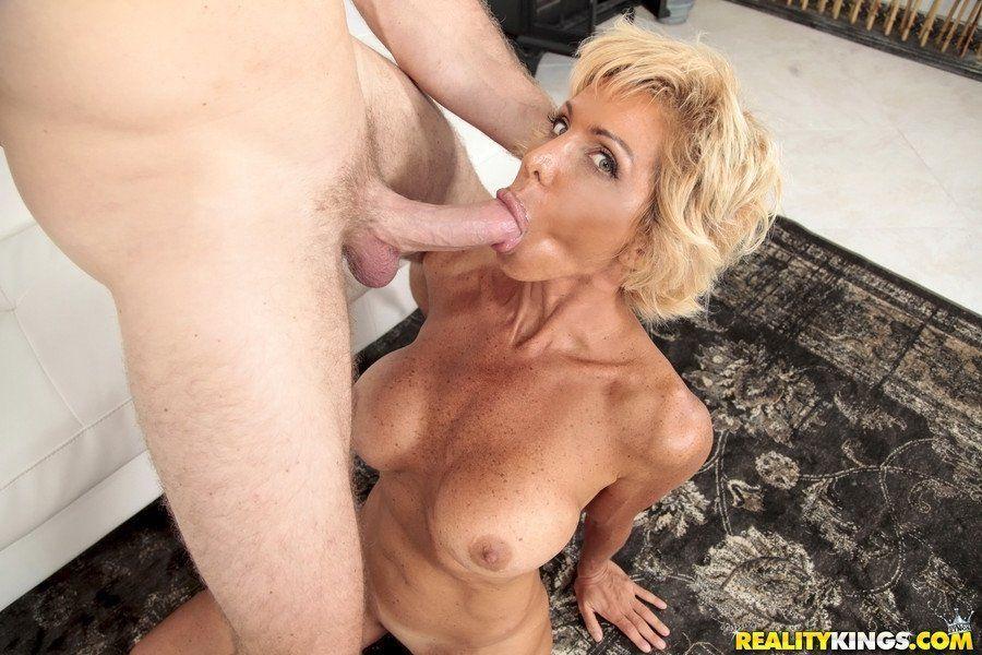 Layla pornstar milfhunter