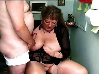 Fat naked women smoking - Porn clips. Comments: 4