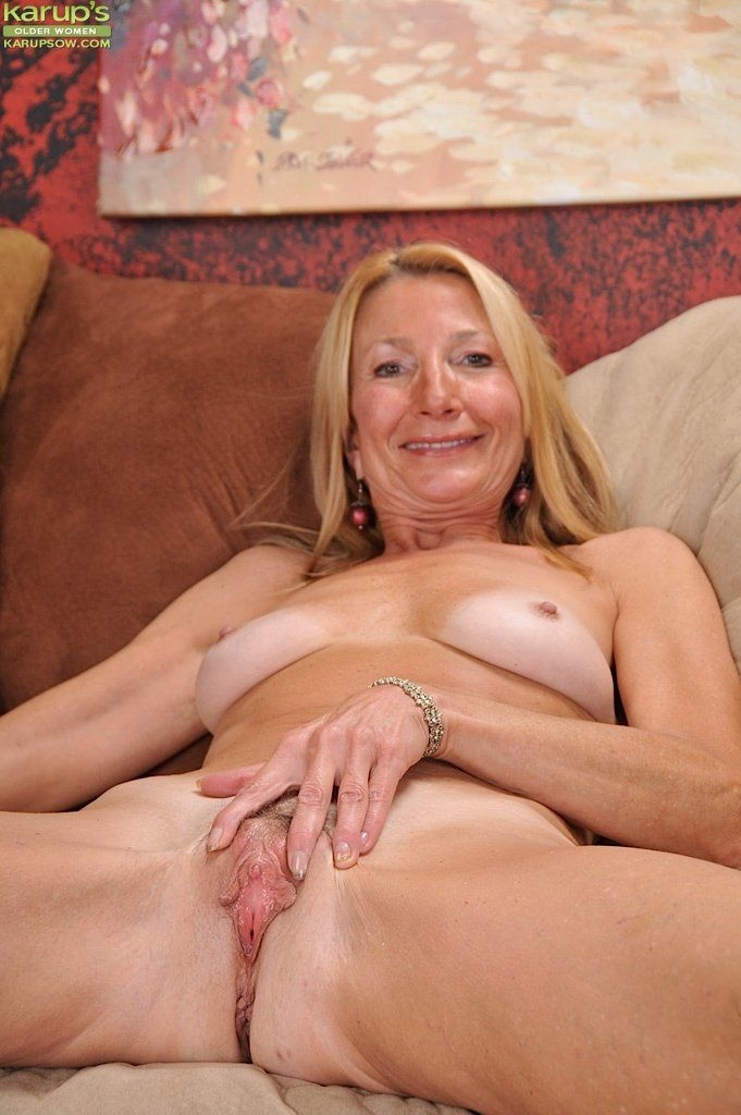 ISABELLE: Pics of old women pussy