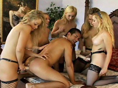 Lesbos pussy grinding