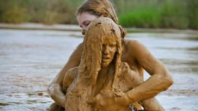 Thundercloud reccomend Sexy girl masturbation mud