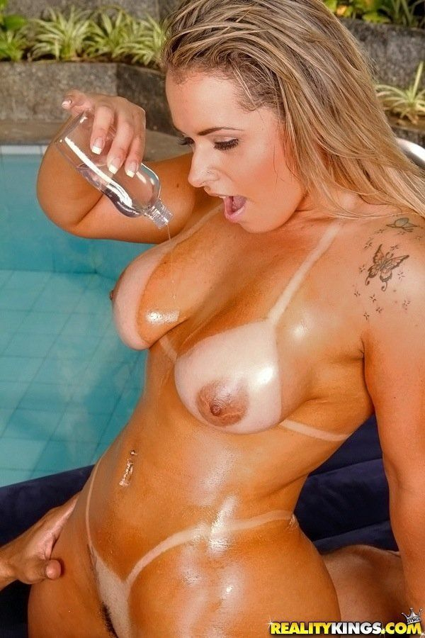 Hot naked oily girls