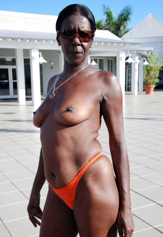 Black granny porn sites