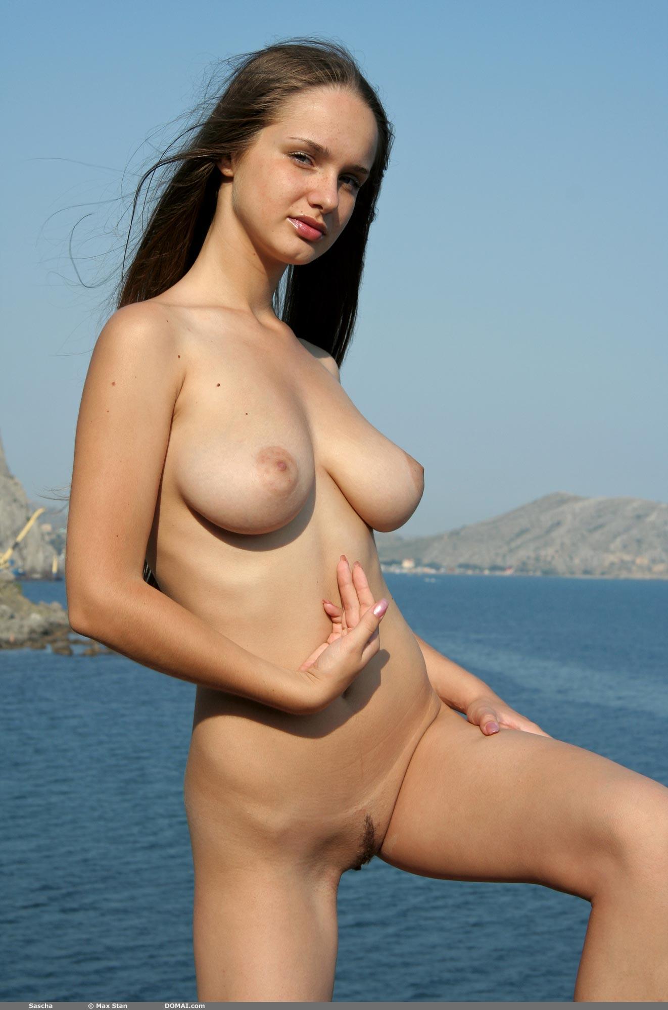 best of Nude skinny Big girl breast but