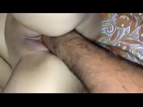 Women got full hand inserted inside her pussy