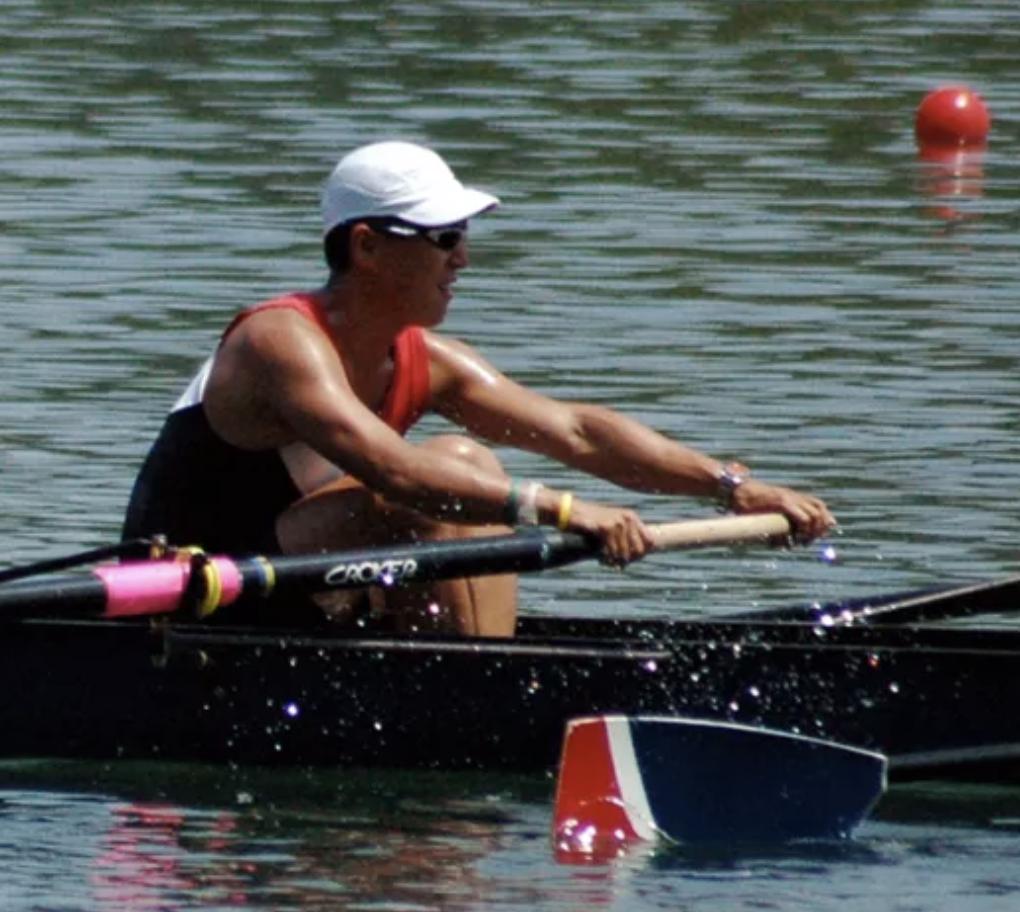 Side Z. reccomend Man swinging oar