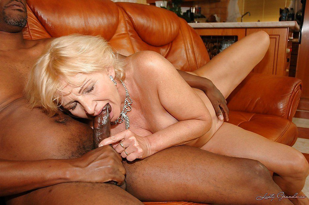 Grannies havibg sex with hugh cocks