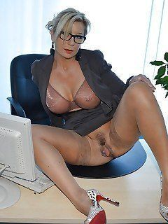 Www free cougar porn