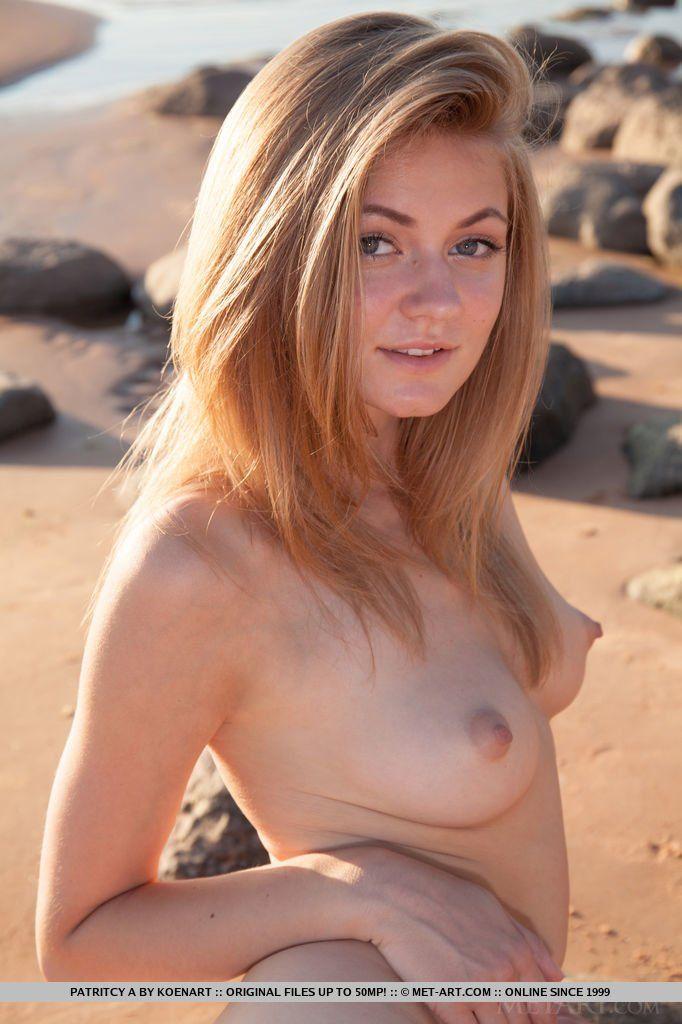 Desi naked nude girl ass
