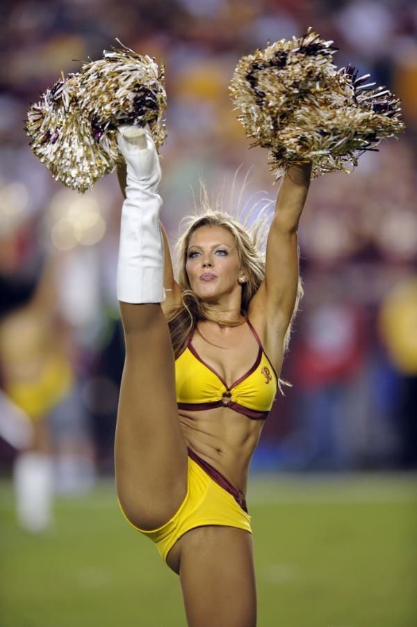 Redskins cheerleader pics upskirt oops