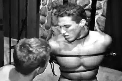 Flea F. reccomend Male bodybuilders bondage