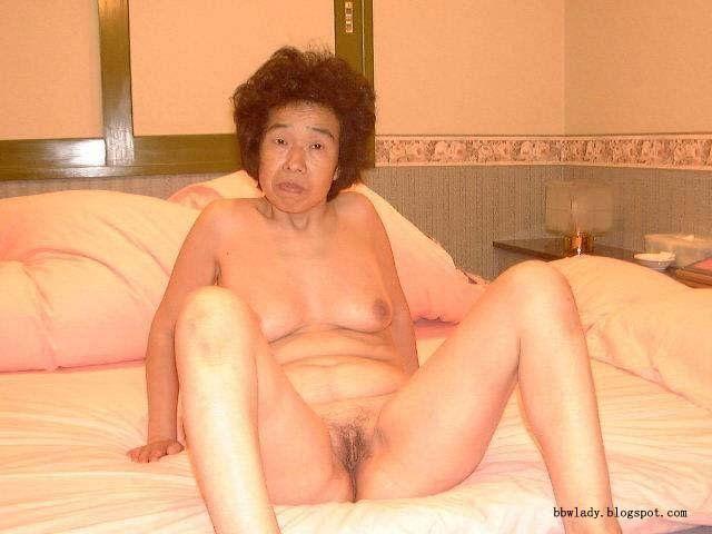 Big tits lesbian pussy