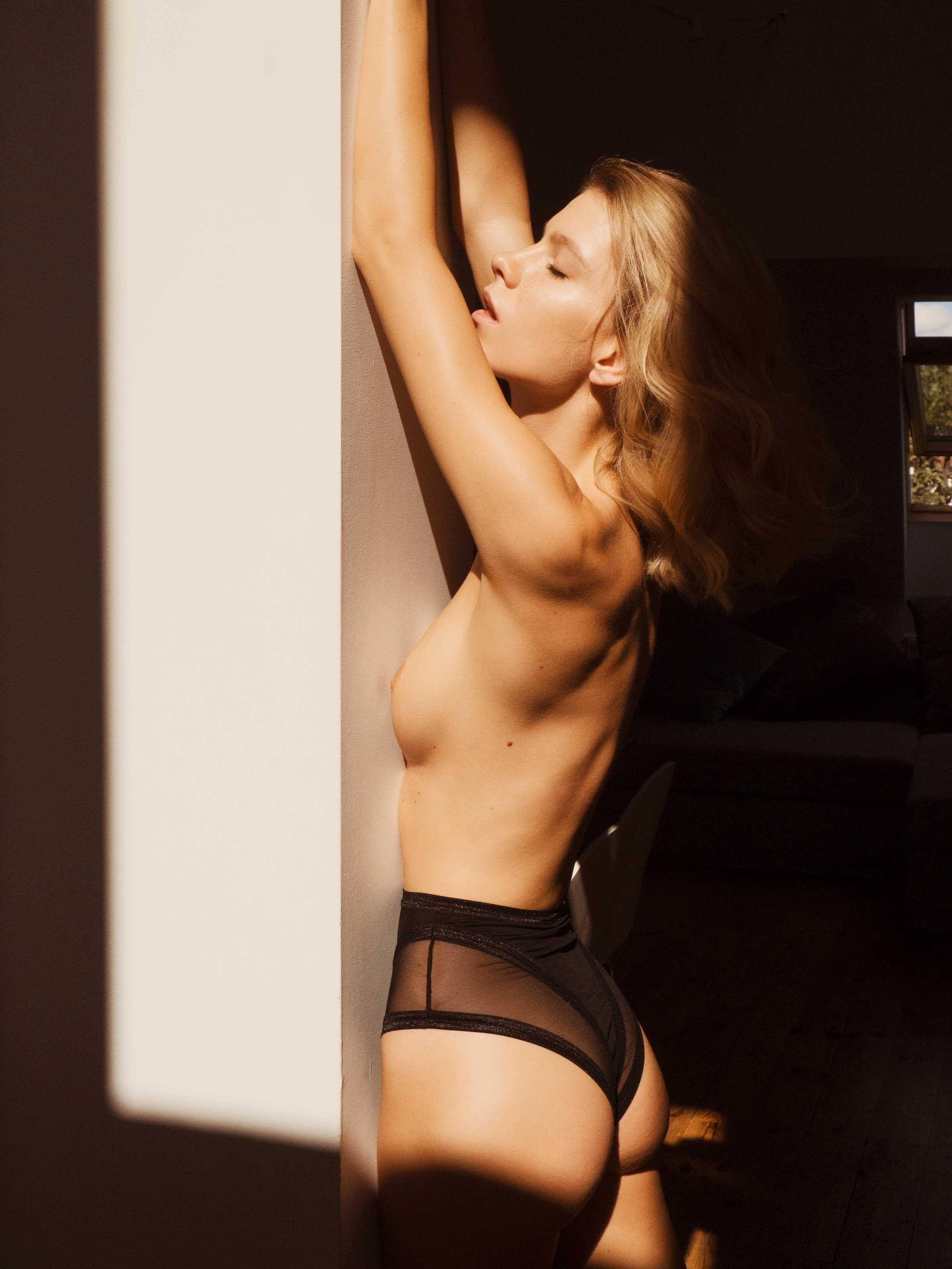 Jessica R. reccomend Angela abbott nude