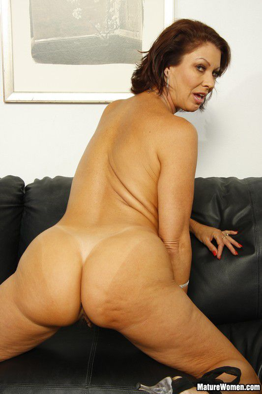 Porno photo Huge naked female ass .