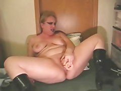 Mature ass play tube