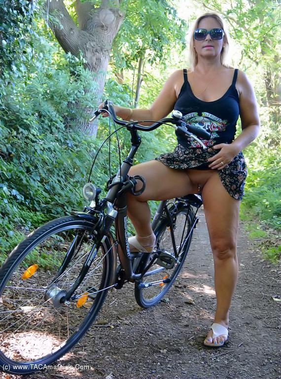 Amateur nude on bicycle