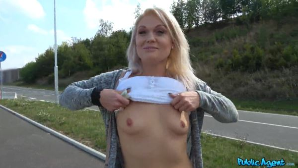 Outdoor Sex Clips - An Outdoor Sex With A Live Viewer Public porn clips - Adult ...