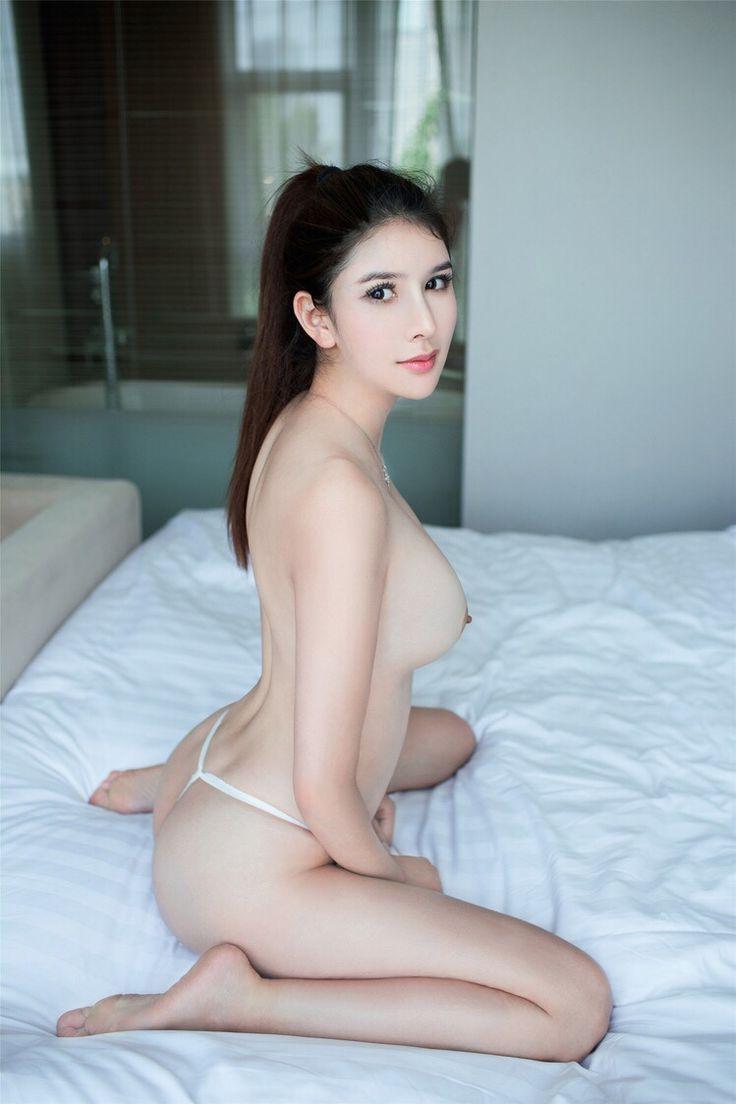 Naked hot arabian girl