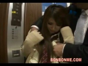 Asian girl humiliated in elevator apologise, but