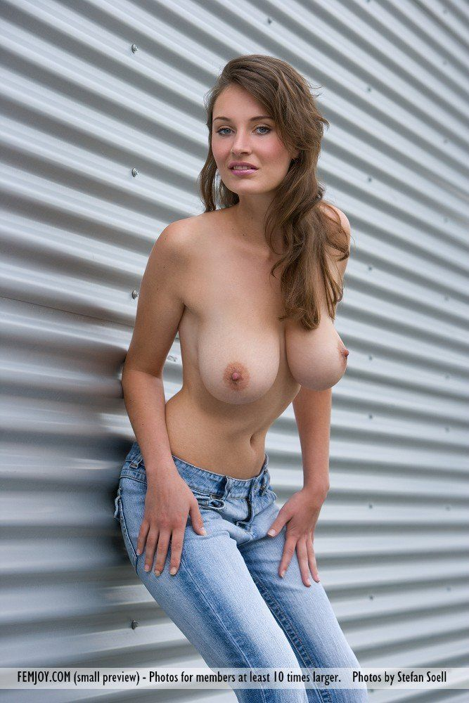 Porsche reccomend Big breast but skinny nude girl