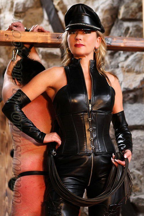 Good D. reccomend Buty strap-on mistress femdom domination galleries