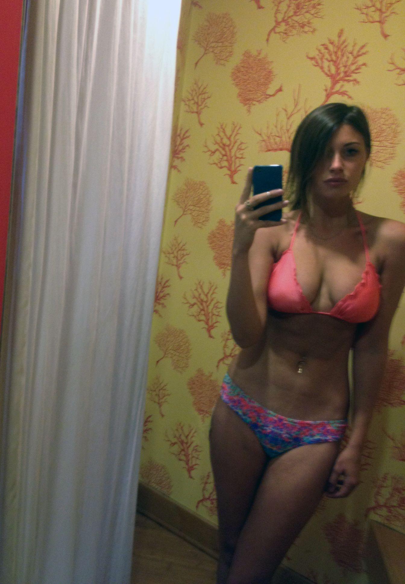 Alyson Michalka Desnuda aly michalka nude . porn pics & moveis.