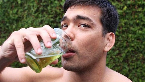 Bug reccomend People drinking piss