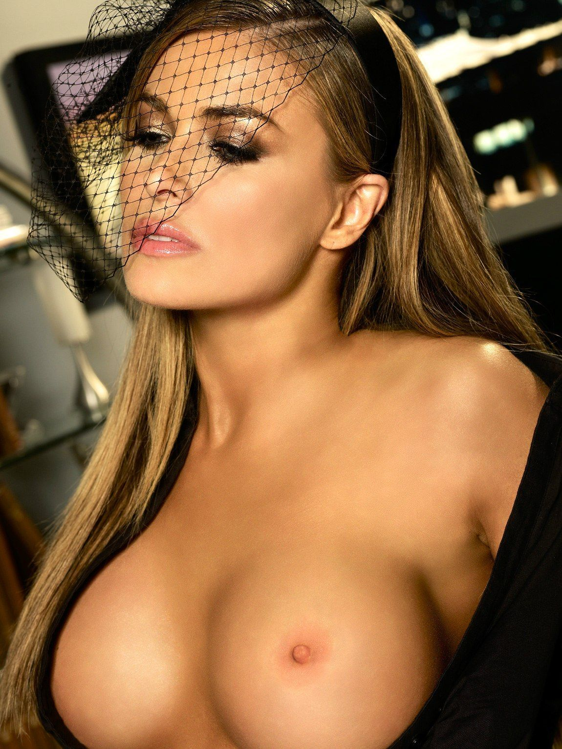 Porno photo carmen electra first orgasm