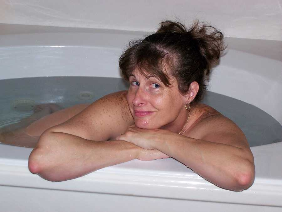wife naked picture