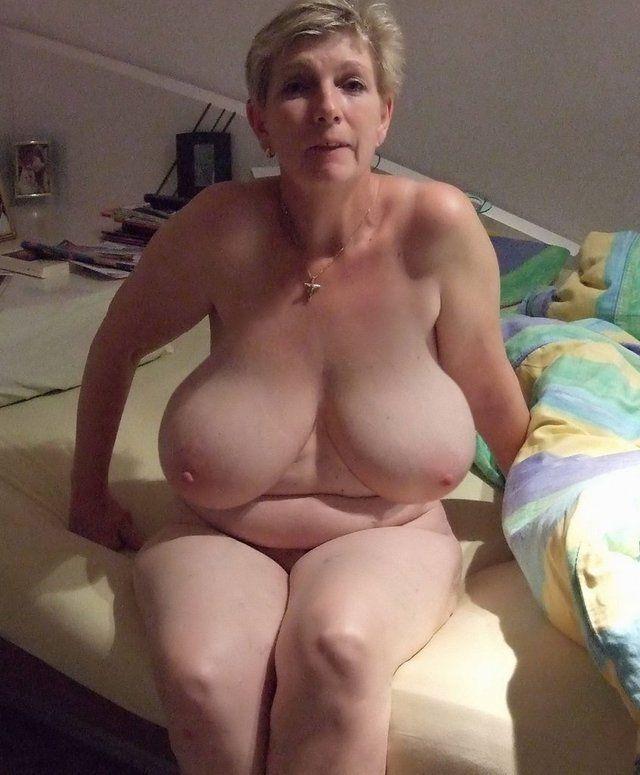 Best voyeur amateur bra pics
