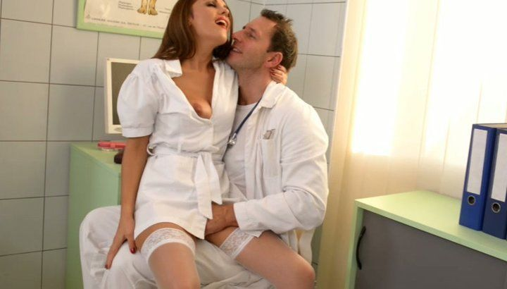 Mo reccomend Docter lick and fuck with nurse