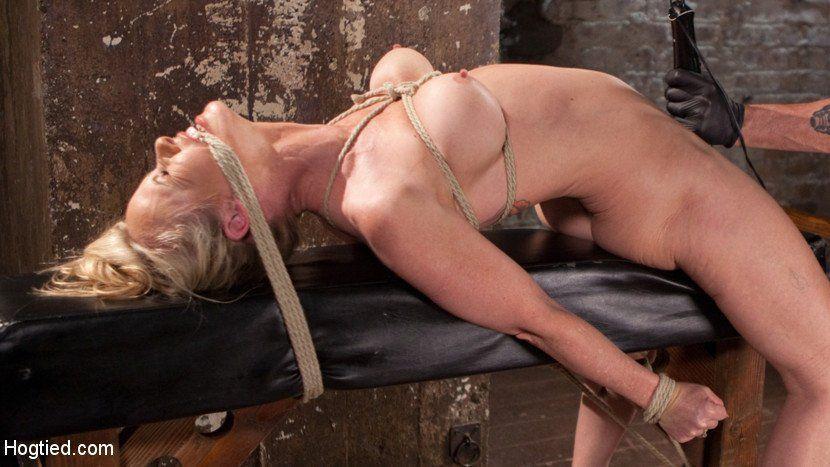 Bella hadid nude photoshoot