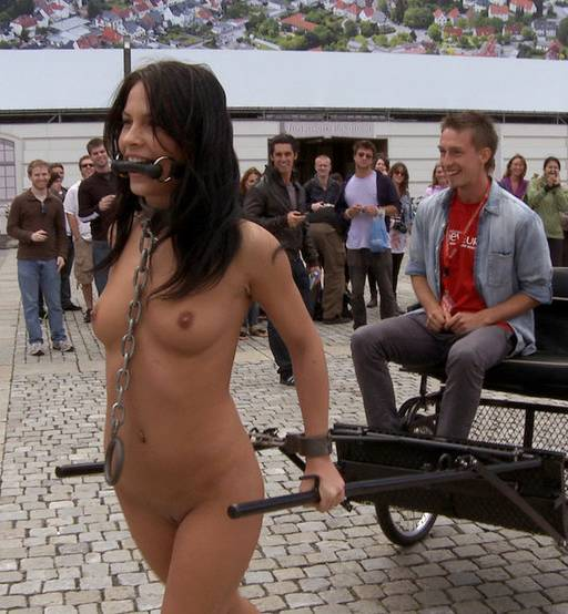 Gr8 B. reccomend Girls bondage in public