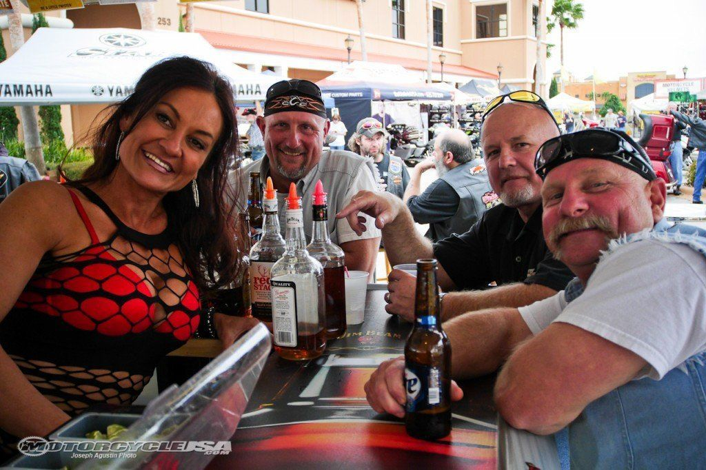 Biketoberfest 2009 pantyhose bartenders october