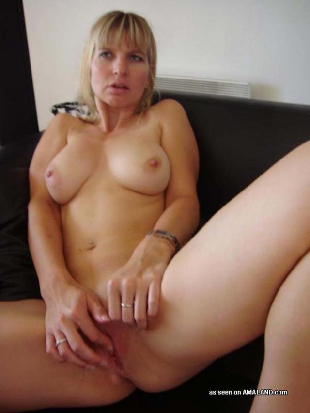 hot sexy nude amateur milf