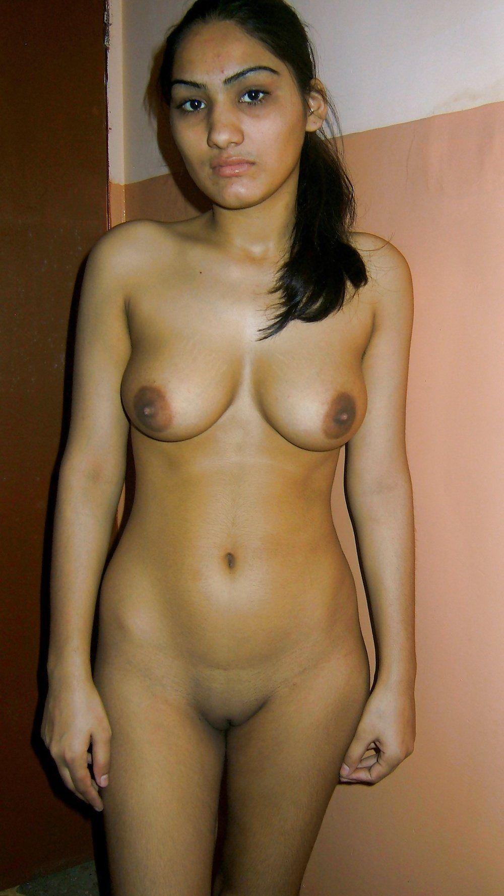Jennifer taylor naked tits