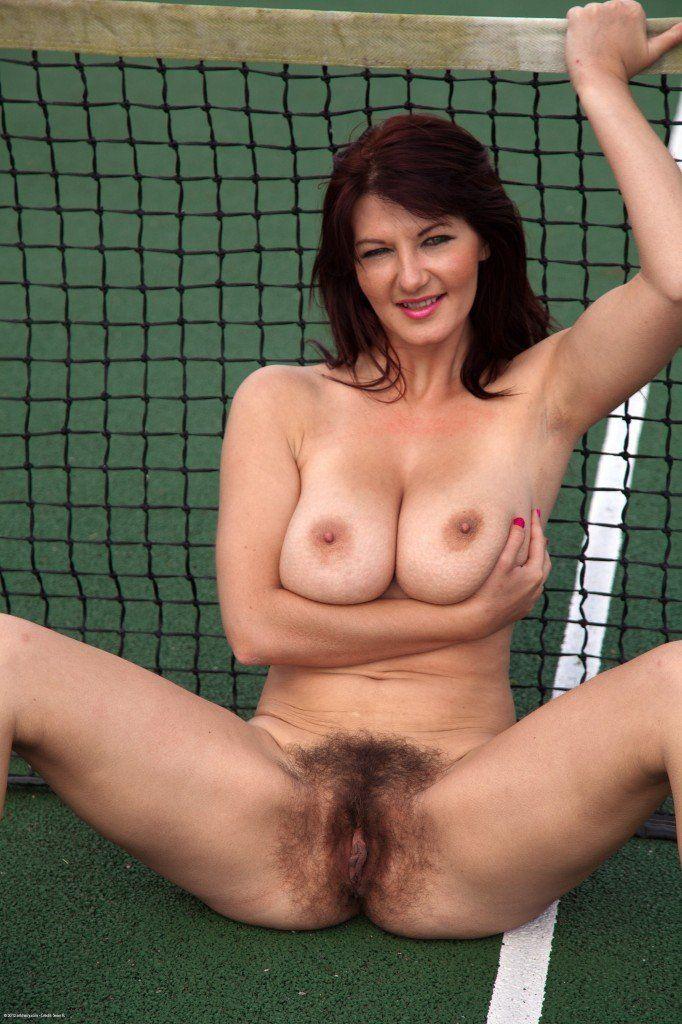 mature nude thumbs