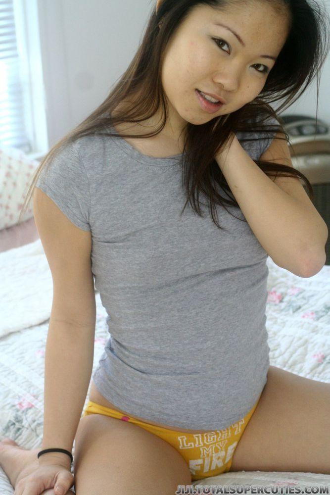 The girl next door took my virginity · Japanese amateur teasing