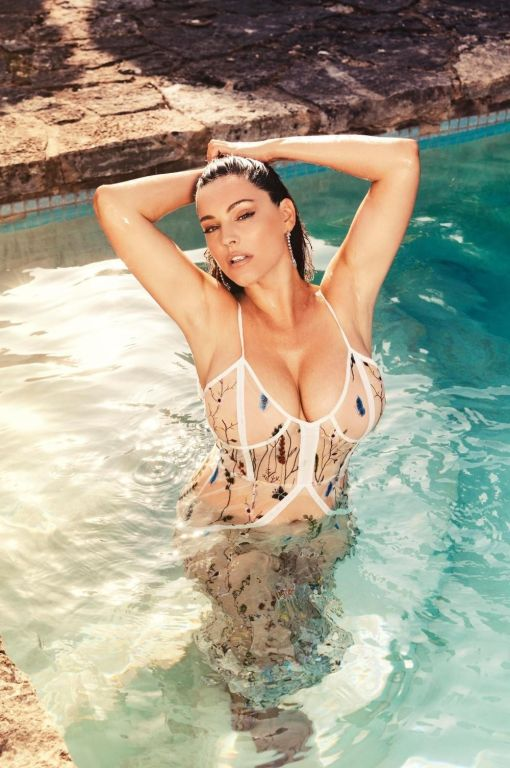 Fendi reccomend Kelly brook topless bikini