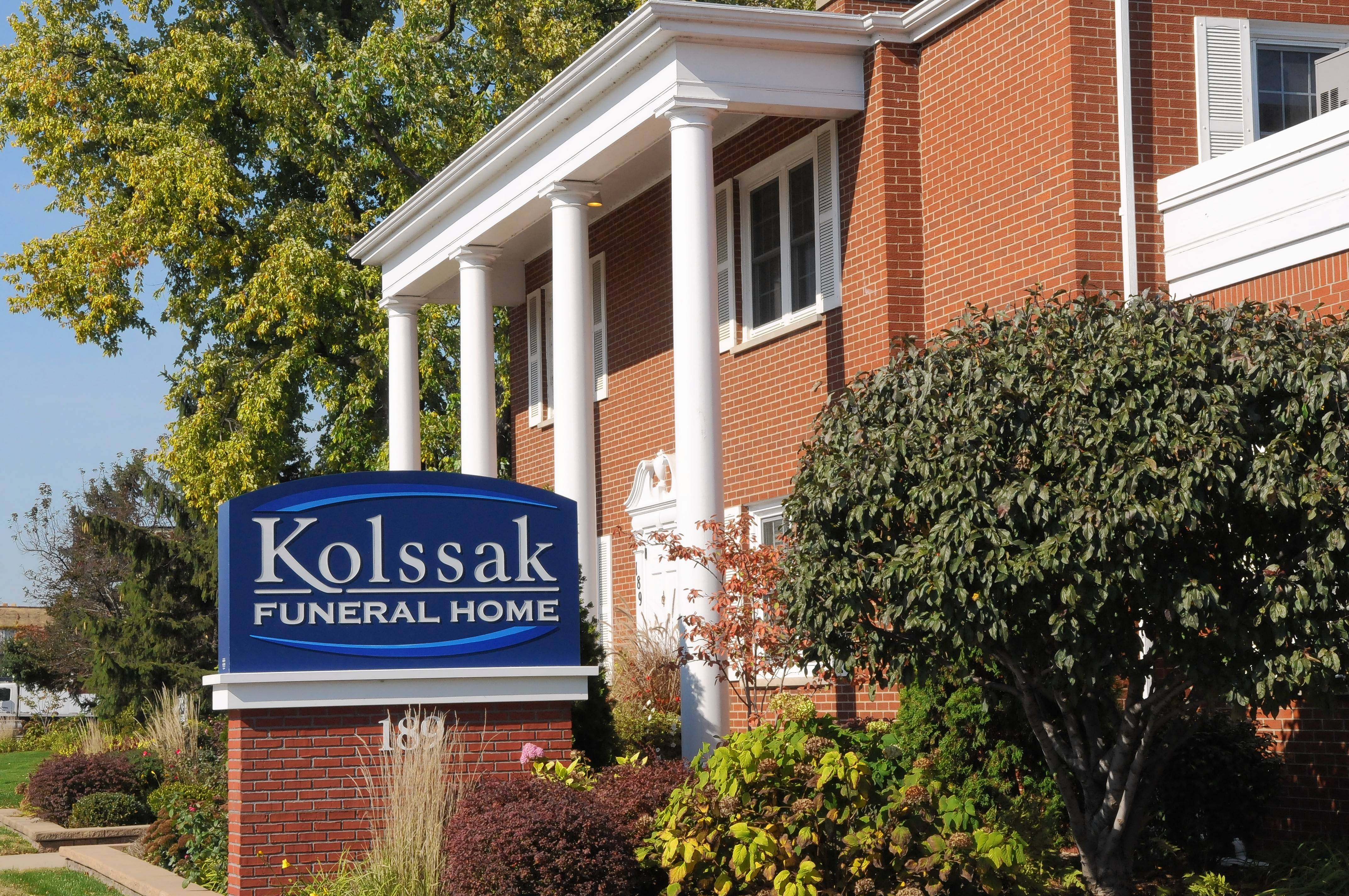 Kolssak funeral home il