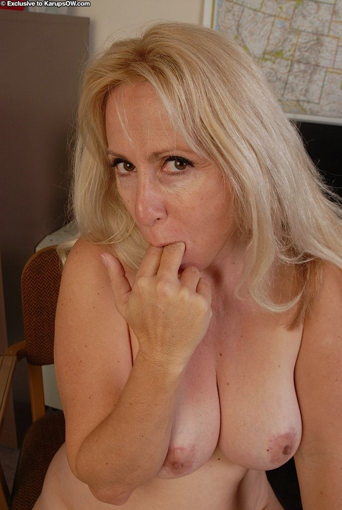 Blondes sexy nude mature does not