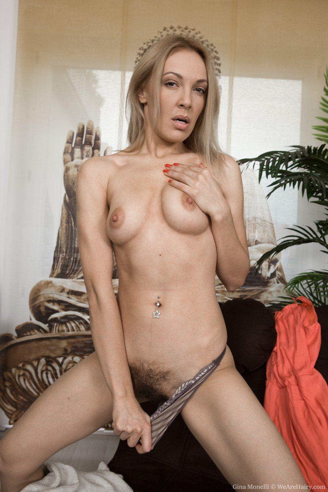 Naked girl 69