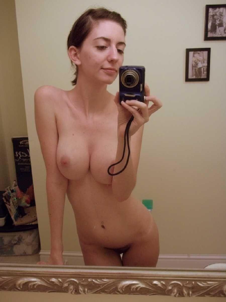 Naked amateur milf girls