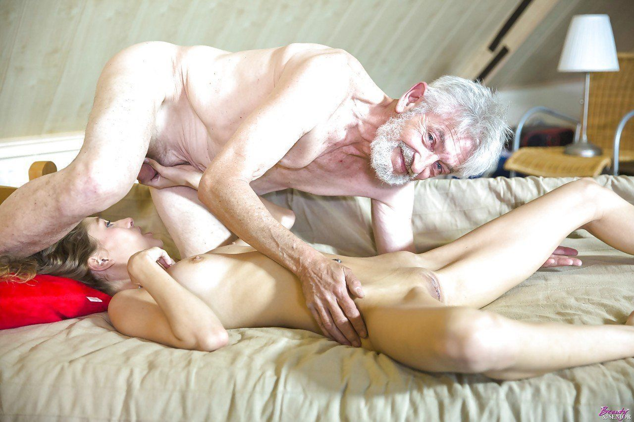 Naked pic of old man kissing girls