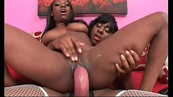 Negro women naked pussy licking pic 10