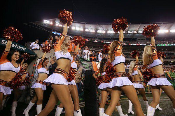 Free online videos of hot women stripping