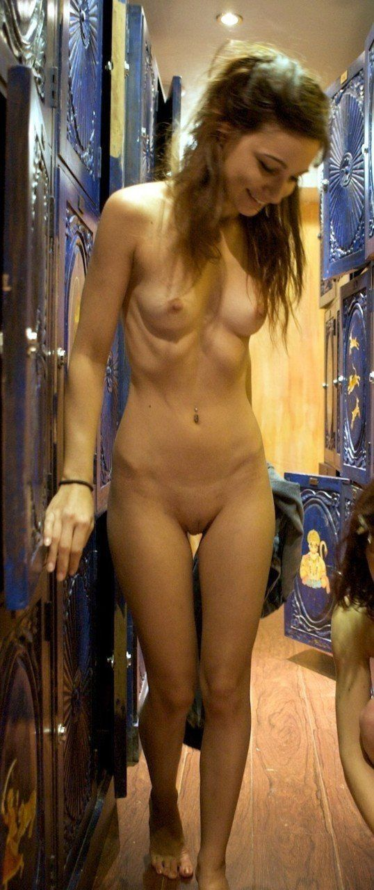 Girl naked in changing rooms pic 32