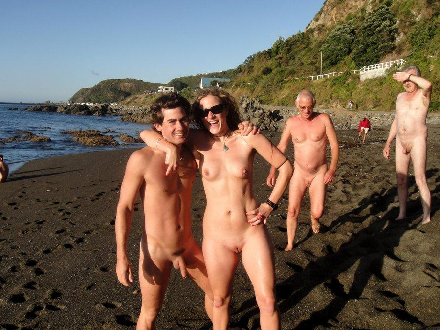 Sugar P. reccomend Nude girls with family on beach
