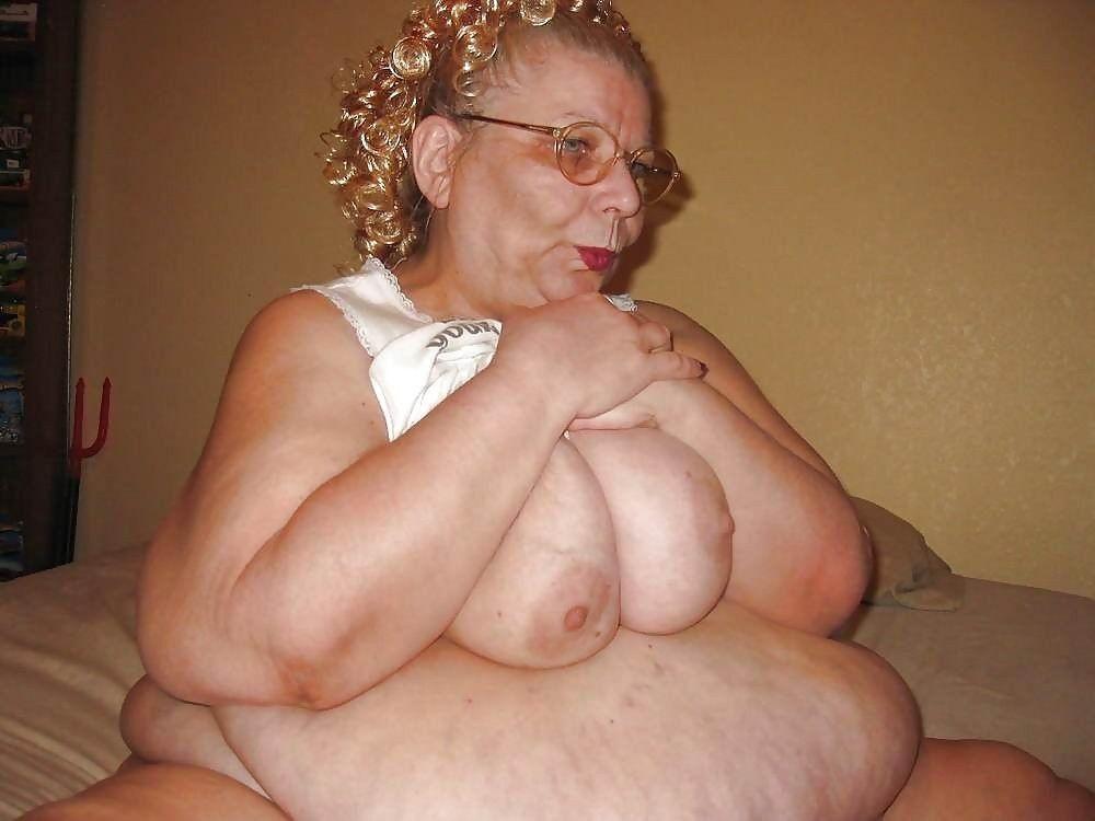 Blonde women eating cum